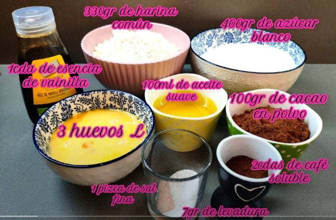 ingredientes para hacer galletas craqueladas de chocolate.